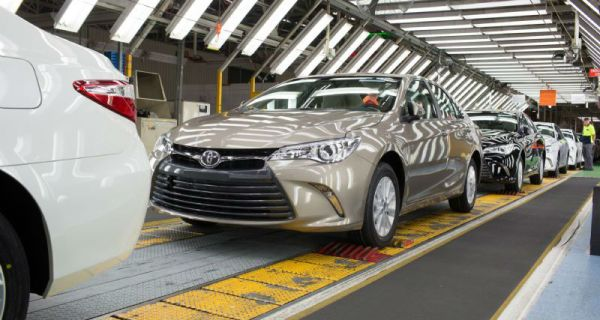 toyota 2015 camry _production_altona_australia_02-0428-920x544