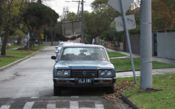 1976 Toyota Crown Super Saloon front