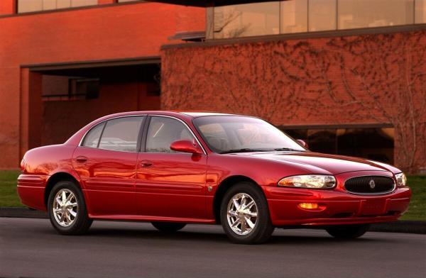 2003-Buick-LeSabre-Sedan-Image-01-1024