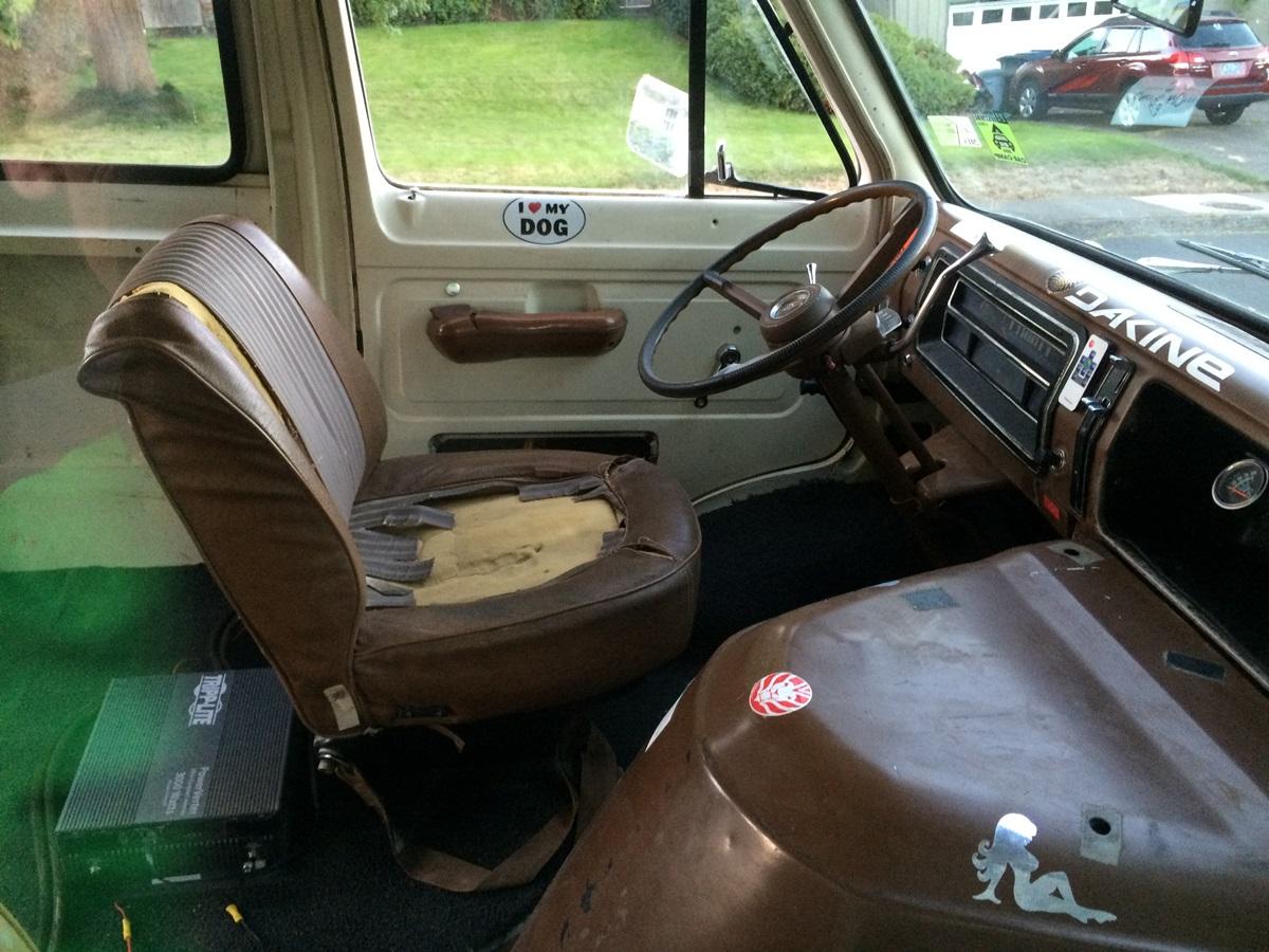 Cc Outtake 1972 Ford Econoline 200 Big White Generic Box 1961 1967 Parts 262 007 1200