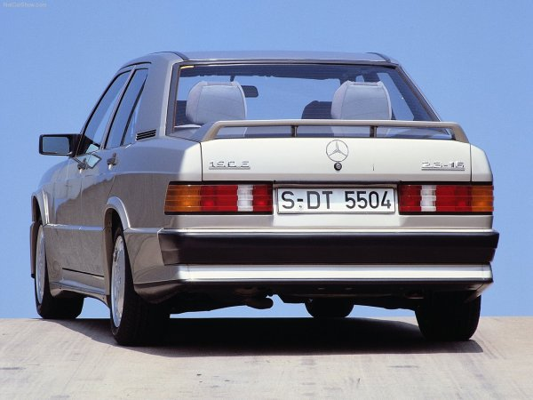 Mercedes-Benz-190E_1984_1280x960_wallpaper_1f