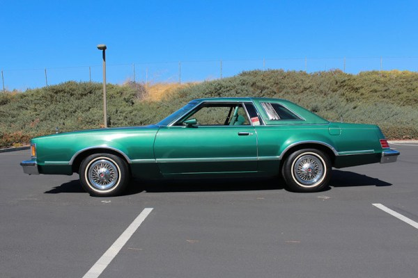 Mercury cougar 1979_xr7_2_door_sedan_2f03610357
