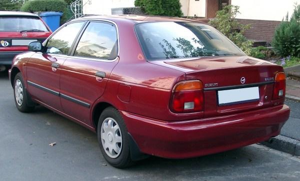 Suzuki_Baleno_rear_20071004