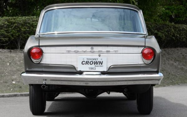 Toyota-Crown-2-03