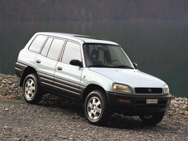 wallpapers_toyota_rav4_1994_7_800x600