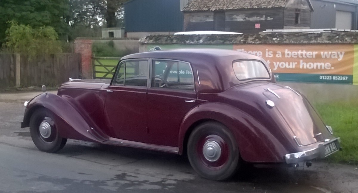 CC Outtake: 1949 Armstrong Siddeley Whitley – One Aristocrat Meets