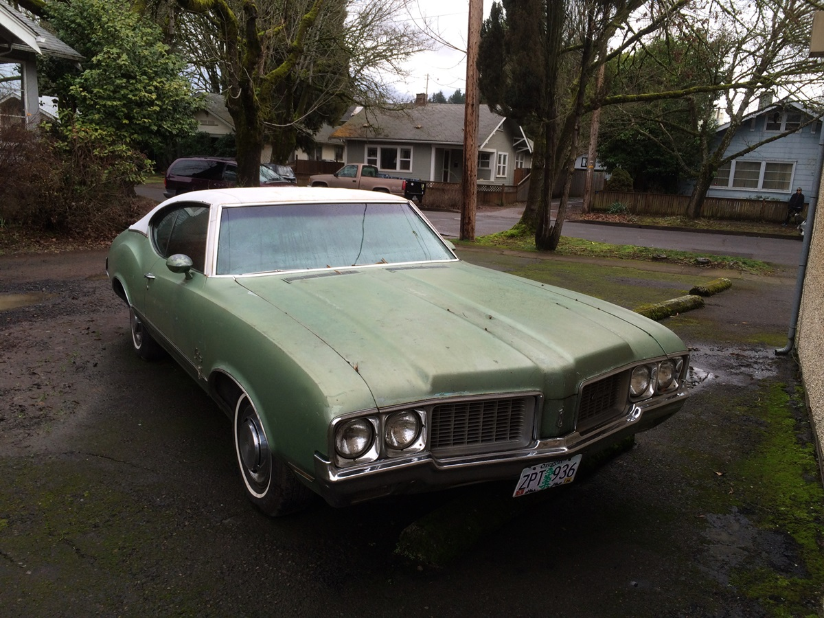 CC Outtake: 1970 Oldsmobile Cutlass S Coupe – Greenery