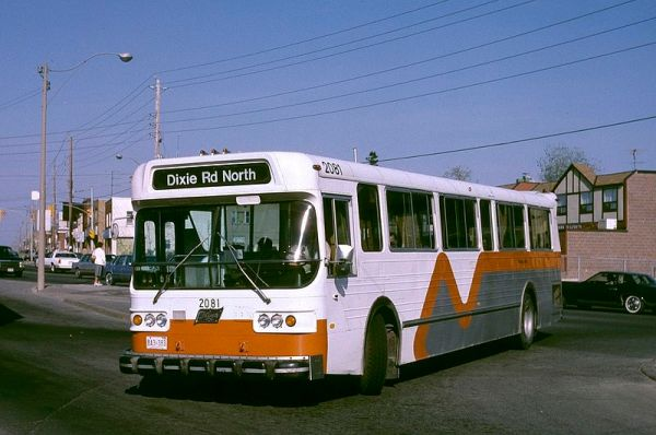 800px-Mississauga_1976_Flyer_D800_in_1987