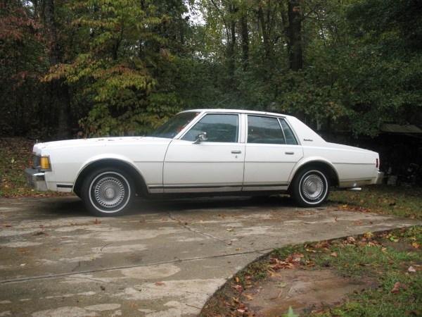 Chevrolet 1977 caprice white