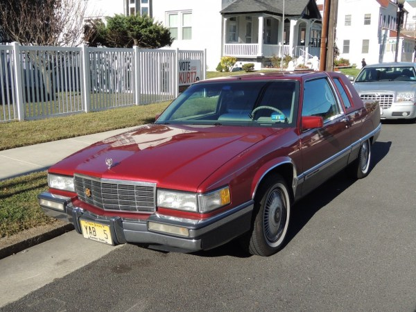 1991 Cadillac Fleetwood Coupe left front