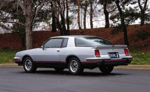 Pontiac 1986 2+2