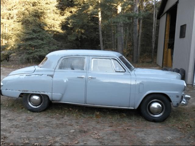 Studebaker 1947 4 door champ