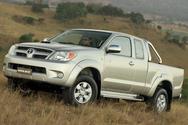 Toyota-HiLux-1-600-600x400