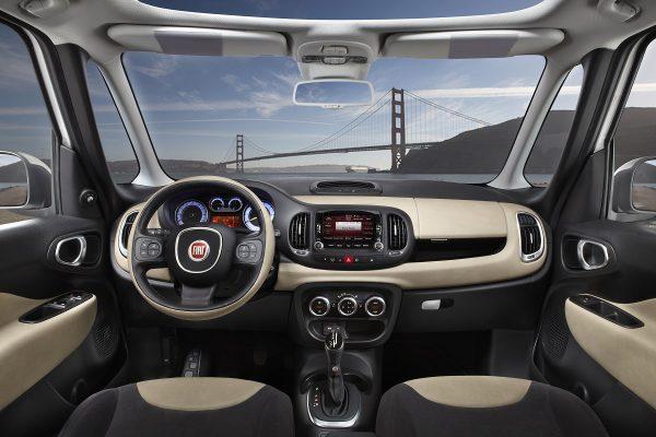 12 - Fiat 500L A pillars