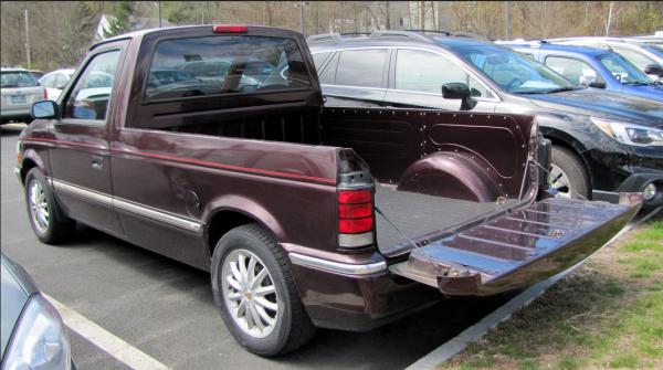 Dodge Caravan PU rq