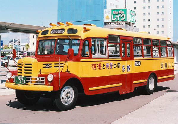 Hakodate_bus_isuzuBX352_hakodateroman