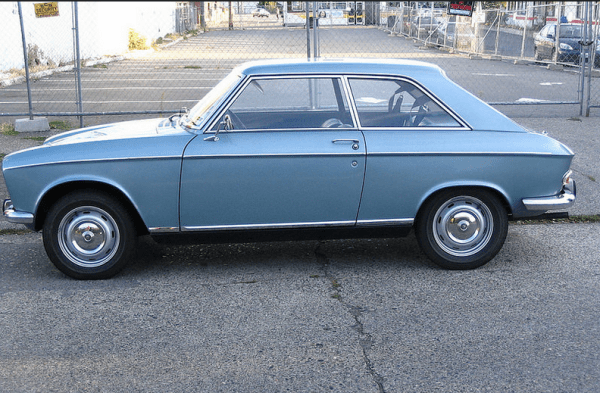 Peugeot 204 coupe side