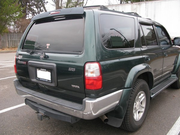2001-Toyota-4Runner-rear