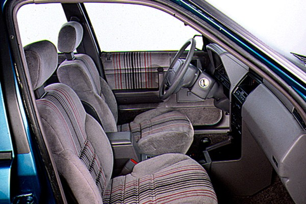 Sundance RS interior
