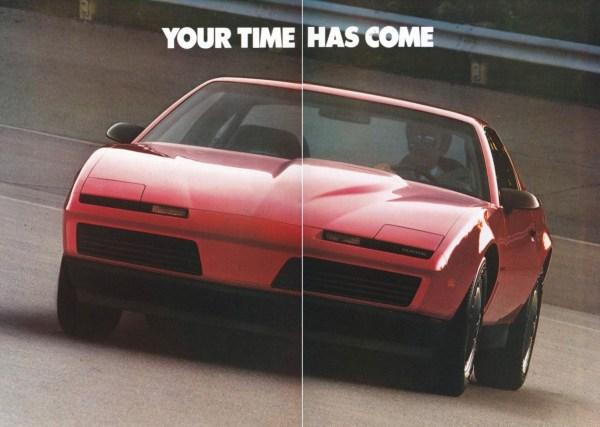 Ad 1982 Pontiac Firebird
