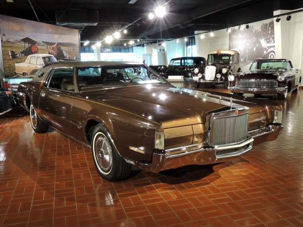 1972 Lincoln Mark IV at Gilmore