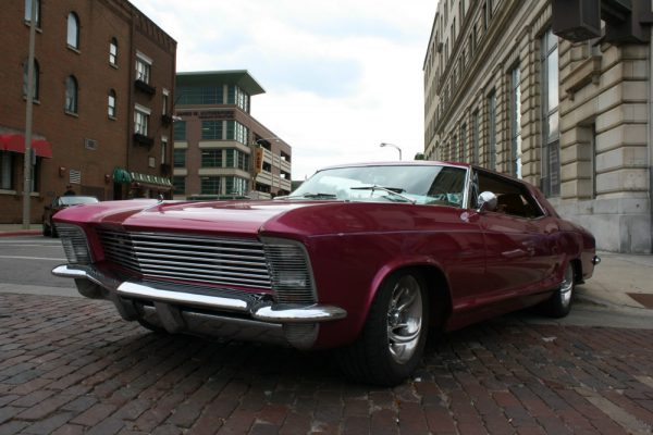 323 - 1965 Buick Riviera CC