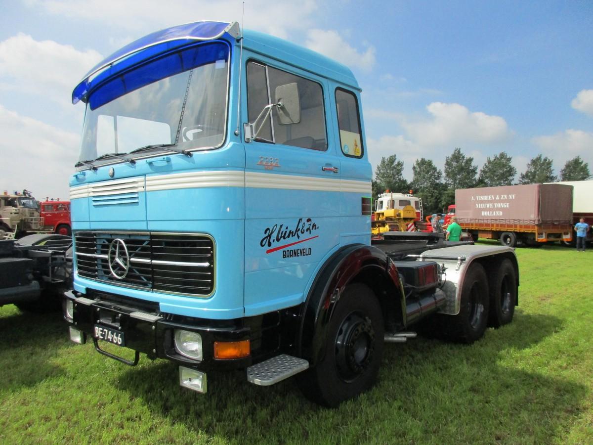 Truck show classics 2016 oldtimer truck show stroe for Old mercedes benz trucks