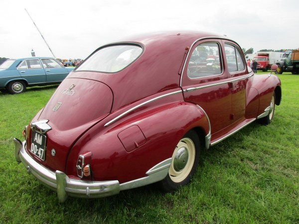 Peugeot 203 red rrq