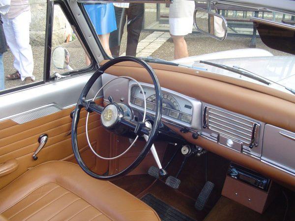 Peugeot 403 Cabrio int