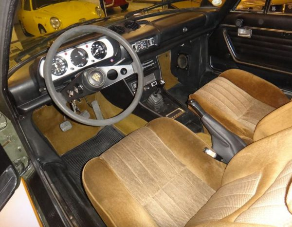 Peugeot 504 coupe 1975 -V6-Coupe-Interior