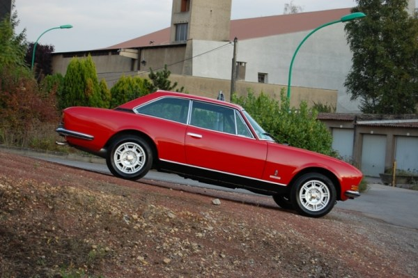 Peugeot 504 coupe red