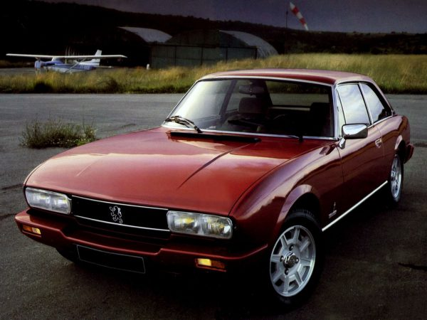 peugeot 504 coupe airplane3