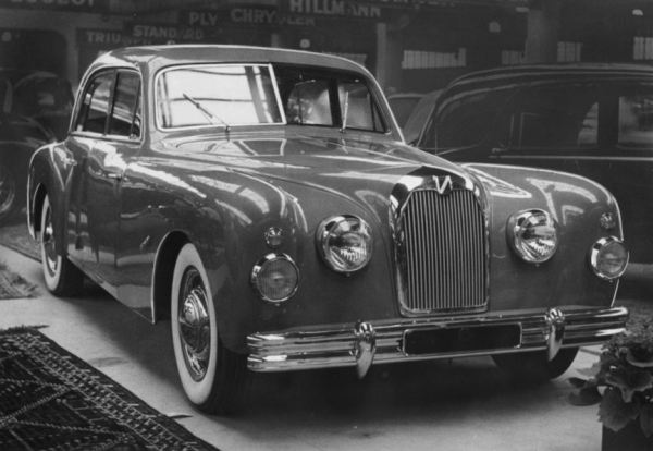 Talbot's new heavy and boxy berline for 1951 was not seen as an improvement. This T15 could barely reach 80 mph as a result. Few were made.