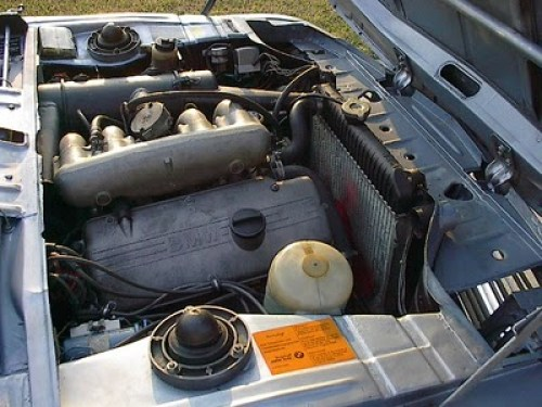 BMW 2002tii motor2
