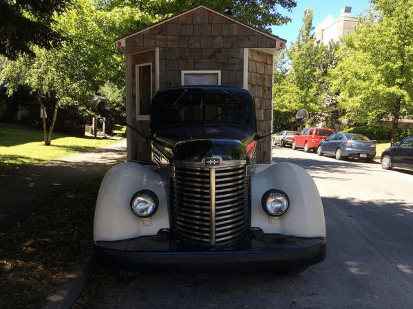 IH 1949 KB-6 housecar ff