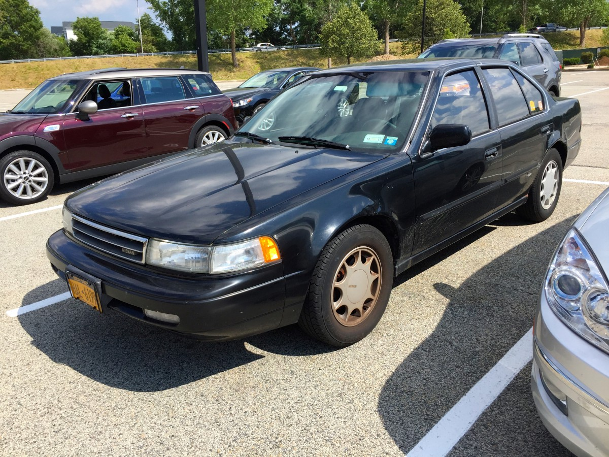 curbside classic 1990 nissan maxima gxe the four door sports car. Black Bedroom Furniture Sets. Home Design Ideas