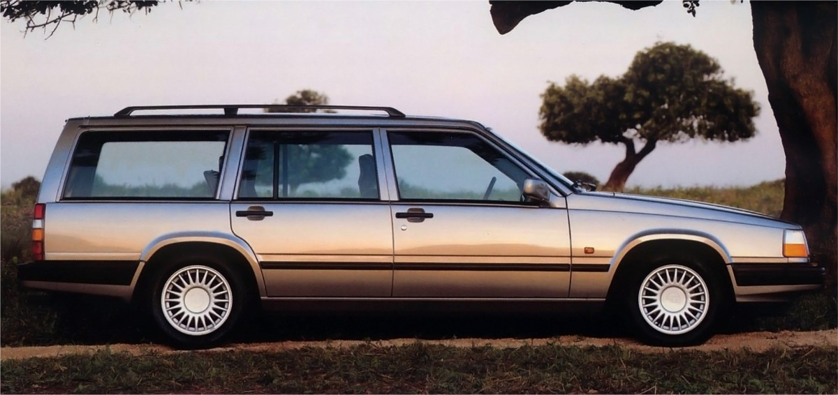 Curbside Clic: 1993 Volvo 940 – Dignified Luxury