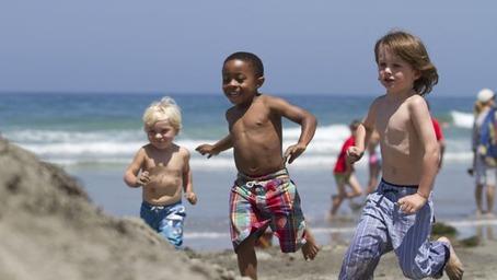 la-jolla-kids-running-on-beach-8-2016exp1.jpg.454x256_12_0_7510