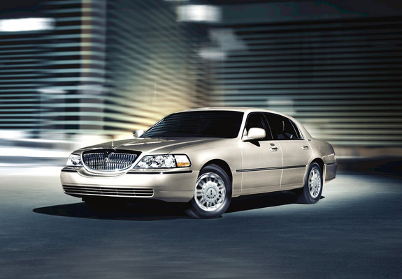 lincoln_town_car_2003_images_1_b