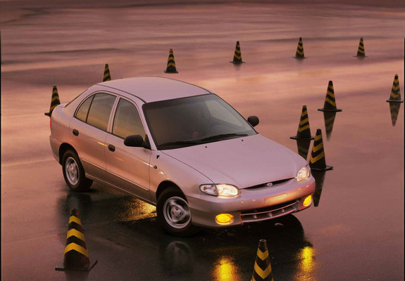 photos_hyundai_accent_1996_1_b