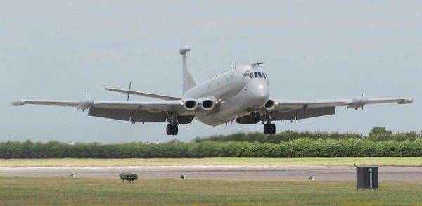 29-nimrod_r1_of_51_sqn_raf_waddington_lands_during_waddington_airshow_2010
