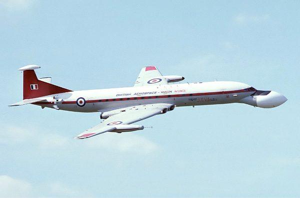 31-royal_aircraft_establishment_comet_freer
