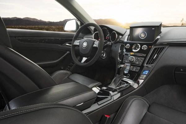 cts-v_sportwagon_interior2