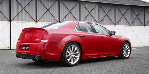 Chrysler_300_SRT_00023