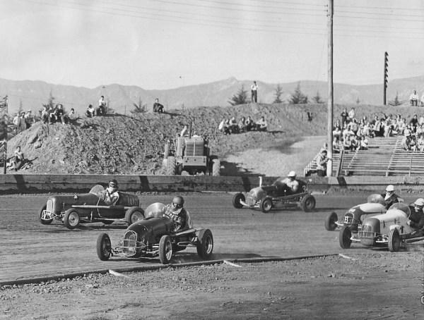 Midget race in 1947 – Photo: jalopyjournal