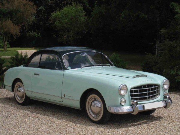 1954 Ford Comète Monte-Carlo – top speed 155 kph, built in less than 700 units until mid-1955.