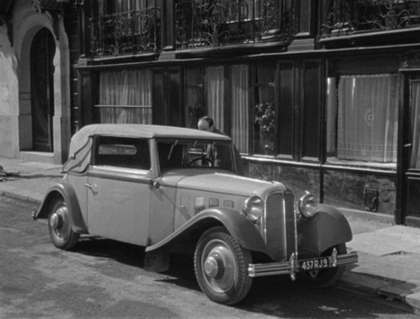 1933 Rosengart Supertraction LR 500, seen in the 1947 film 36, Quai des Orfèvres. Photo: imcdb.org