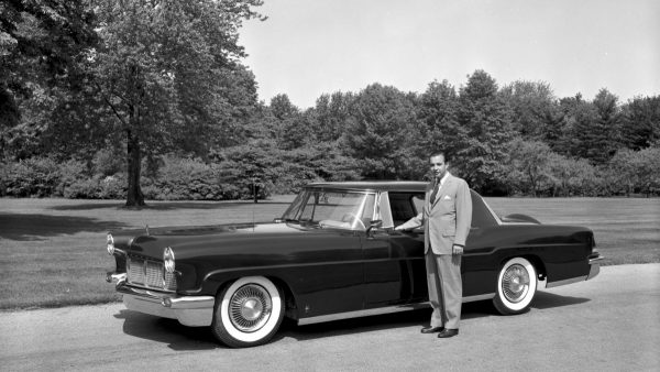 continental-1956-william-clay-ford-with-1956-lincoln-continental-mark-ii-1955-e1394401669862