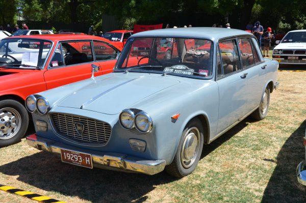 lancia-flavia-sedan-early