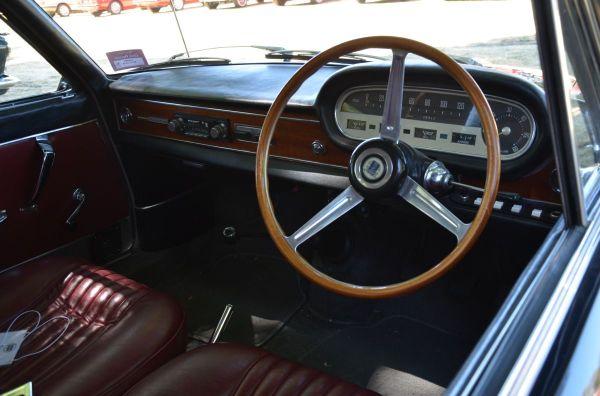 lancia-fulvia-sedan-interior